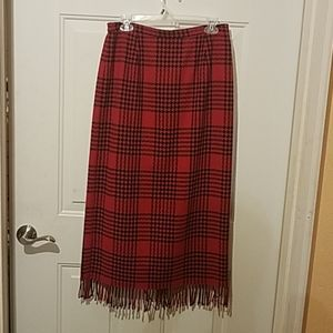 Requirements size 10 red / black skirt